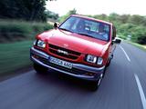 Photos of Opel Campo 1992–2001