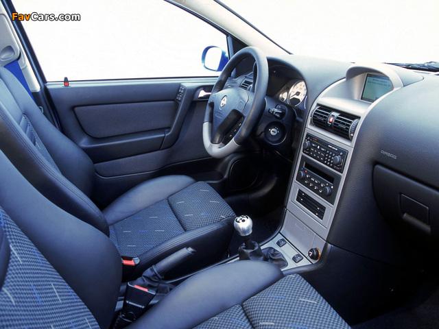 Opel Corsa 3-door (C) 2003–06 photos (640 x 480)