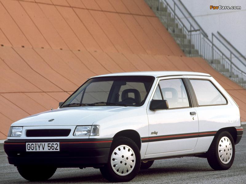 Photos of Opel Corsa 3-door (A) 1990–93 (800 x 600)