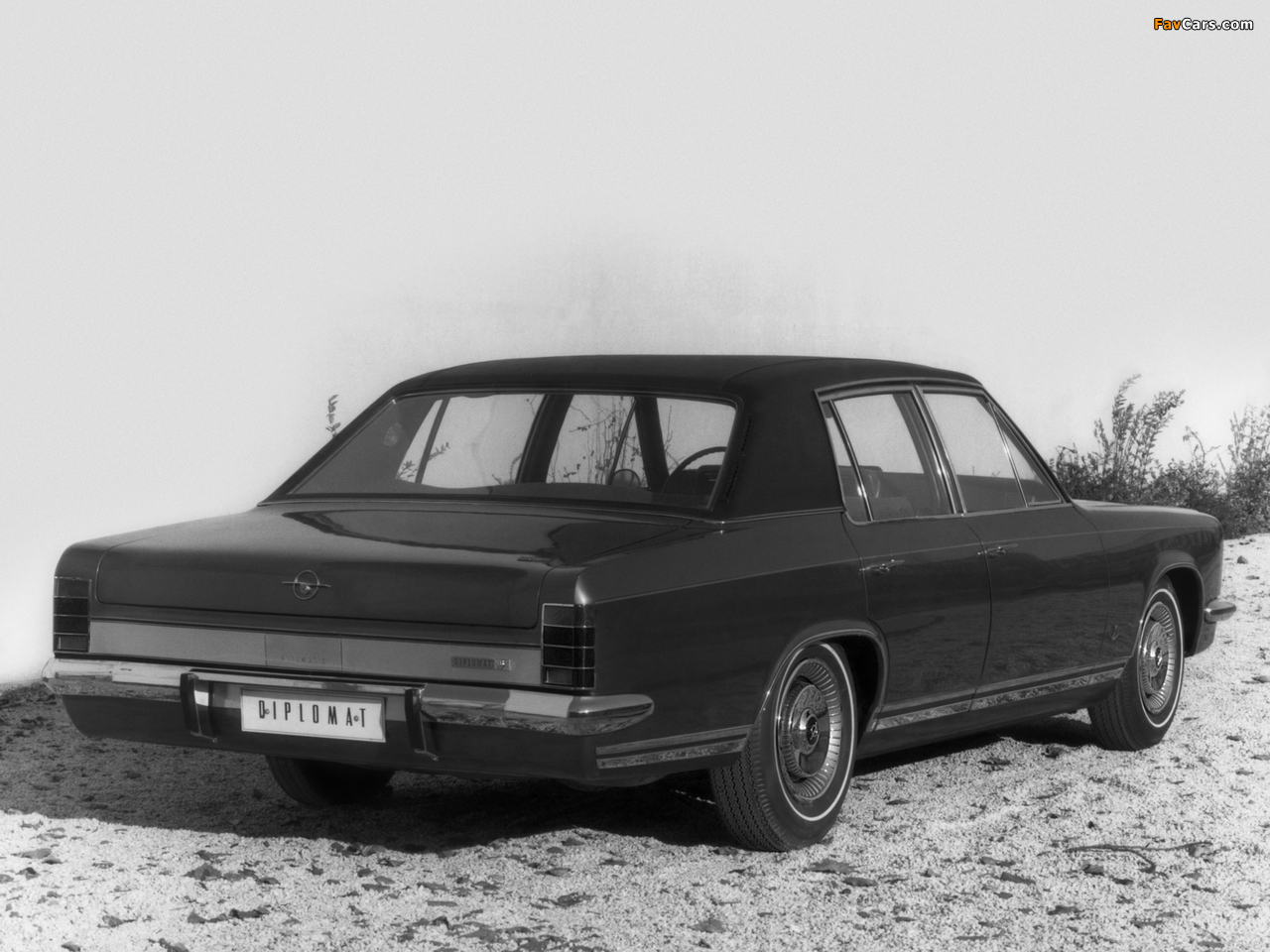 Opel Diplomat V8 (B) 1969–77 pictures (1280 x 960)