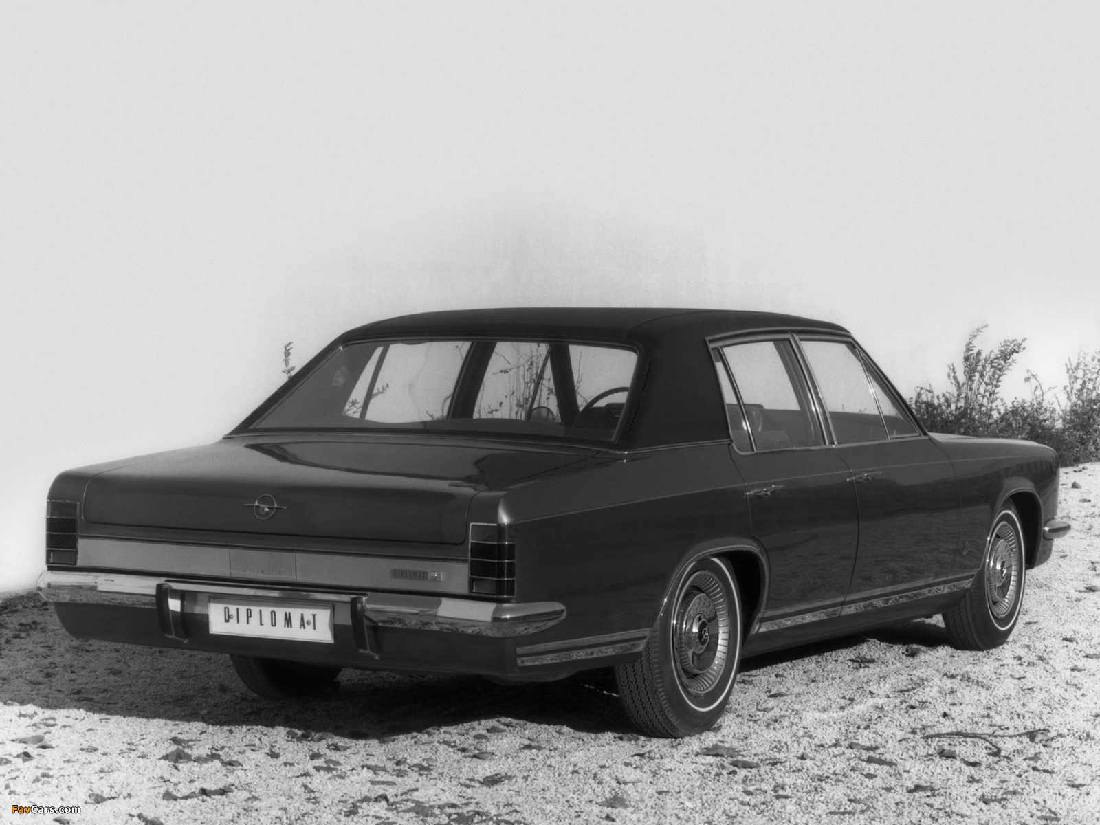 Opel Diplomat V8 (B) 1969–77 pictures (1600 x 1200)