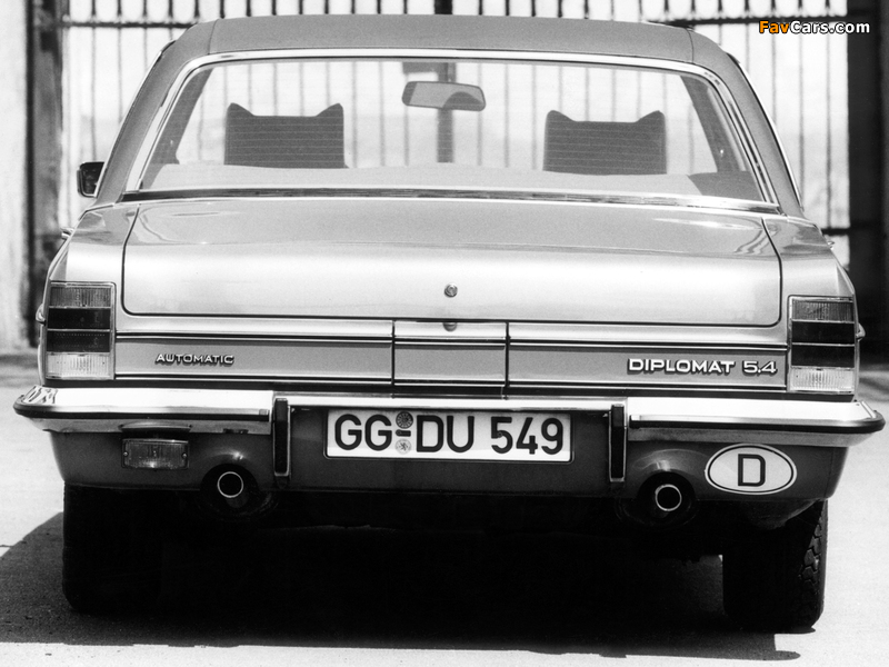 Photos of Opel Diplomat V8 (B) 1969–77 (800 x 600)