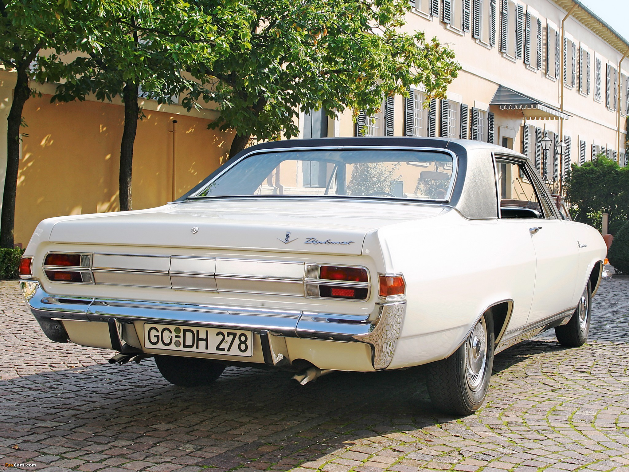 Pictures of Opel Diplomat V8 Coupe (A) 1965–67 (2048 x 1536)