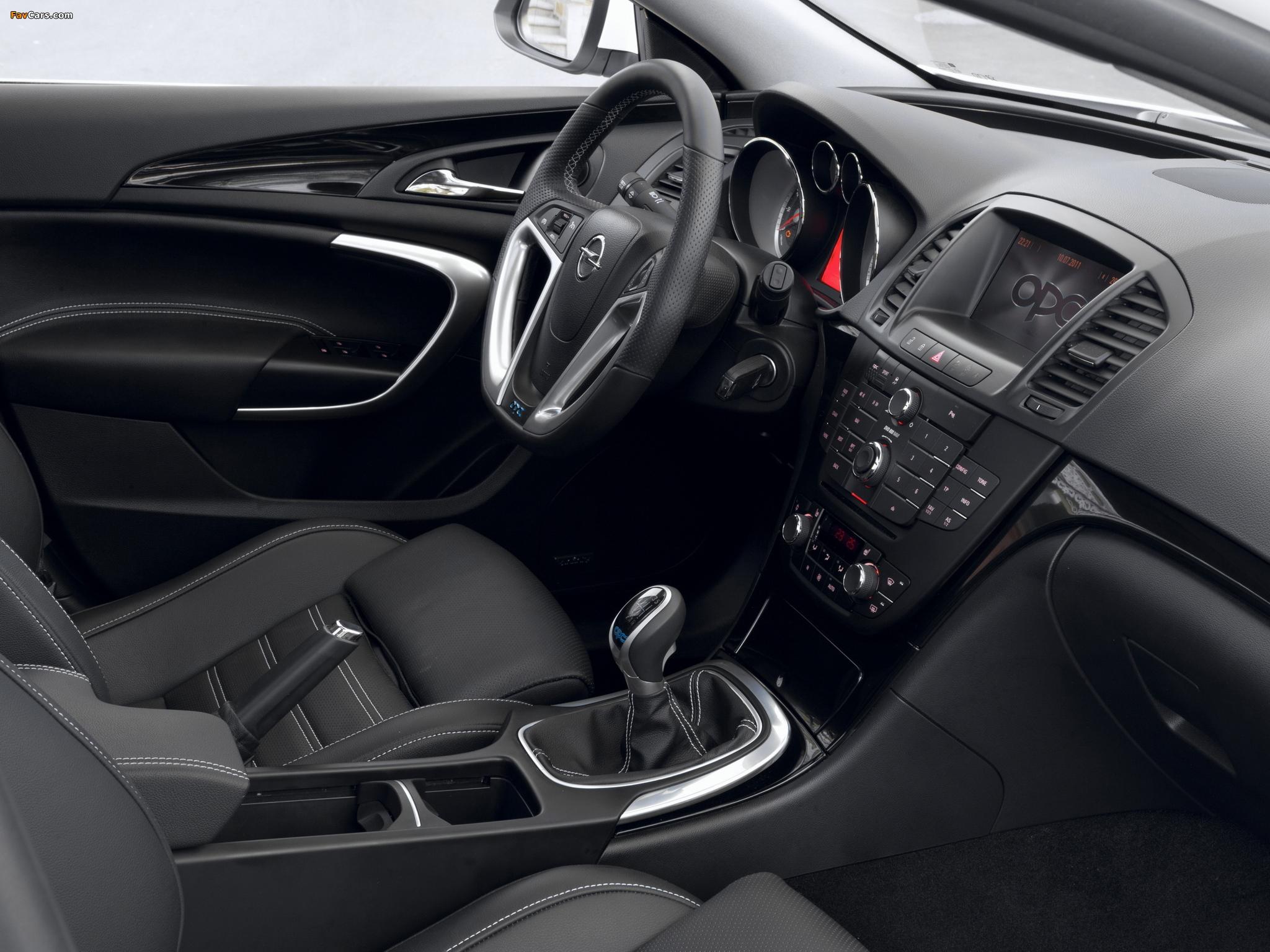Opel Insignia OPC Sports Tourer 2009–13 photos (2048 x 1536)