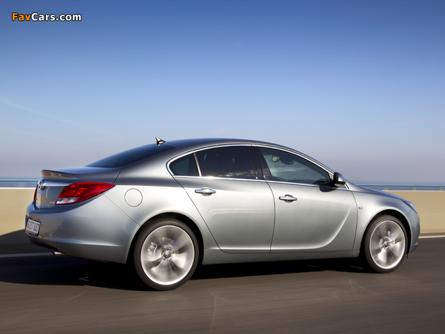 Opel Insignia BiTurbo 2012–13 pictures (640 x 480)
