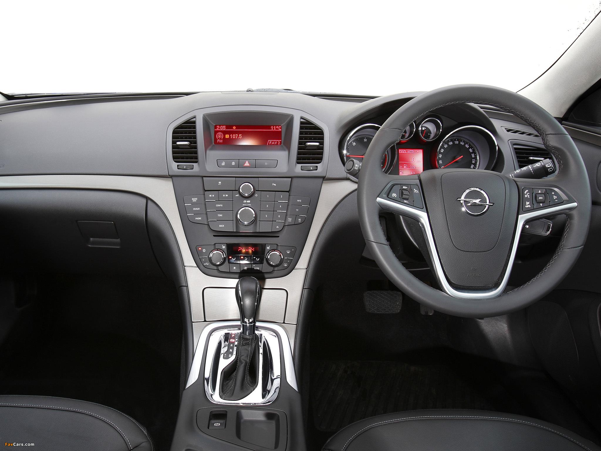 Opel Insignia Sports Tourer AU-spec 2012–13 wallpapers (2048 x 1536)