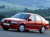 Images of Opel Vectra GT Hatchback (A) 1992–94