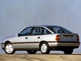 Opel Vectra GT Hatchback (A) 1988–92 photos