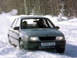 Opel Vectra Sedan (A) 1988–92 photos