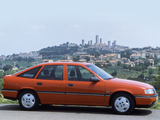 Opel Vectra Hatchback (A) 1988–92 wallpapers