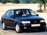 Opel Vectra Hatchback (A) 1992–95 pictures