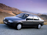 Photos of Opel Vectra Hatchback (A) 1988–92
