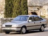 Photos of Opel Vectra GT Hatchback (A) 1988–92