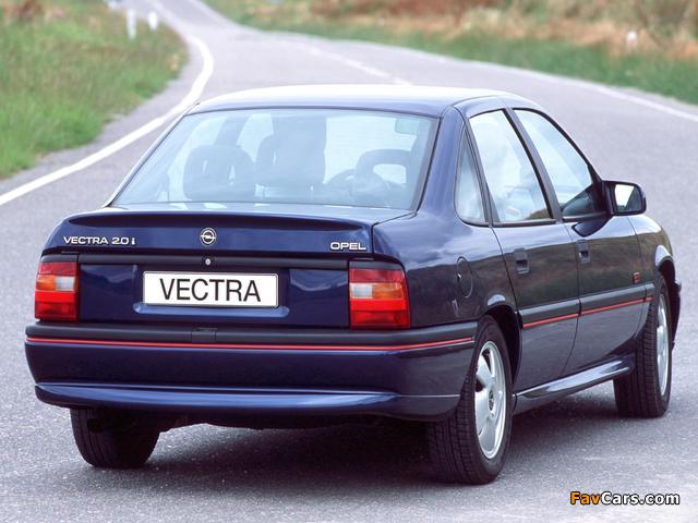 Photos of Opel Vectra GT Sedan (A) 1992–94 (640 x 480)