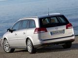 Photos of Opel Vectra Caravan (C) 2005–08