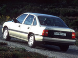 Pictures of Opel Vectra Sedan (A) 1988–92