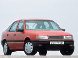 Pictures of Opel Vectra Hatchback (A) 1988–92