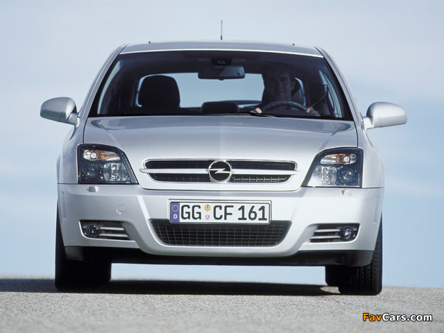 Pictures of Opel Vectra GTS (C) 2002–05 (640 x 480)