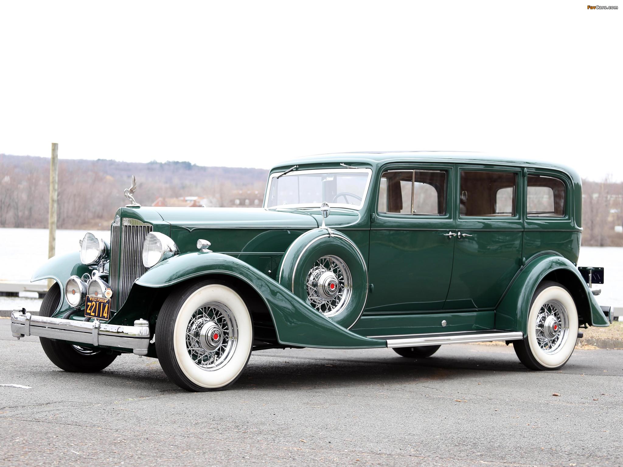 Images of 1933 Packard Super Eight 7-passenger Sedan (1004-654) 1933 (2048 x 1536)
