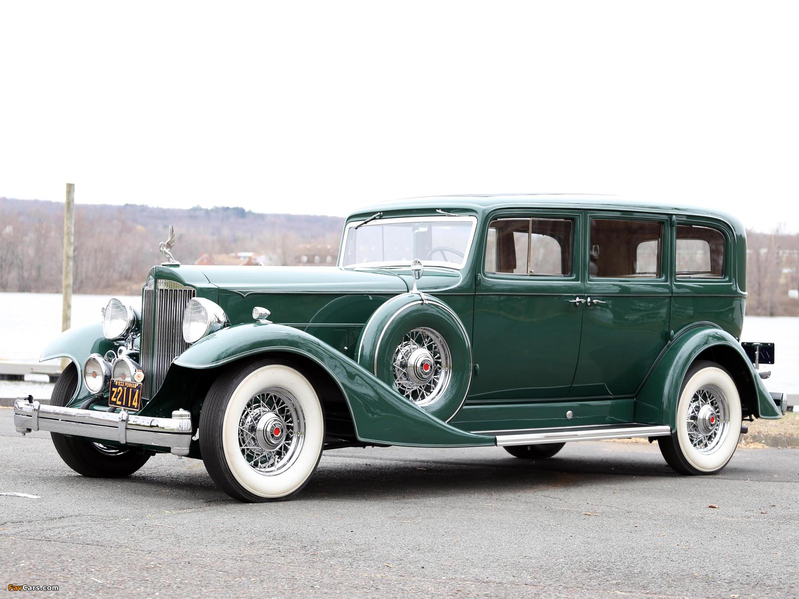 Images of 1933 Packard Super Eight 7-passenger Sedan (1004-654) 1933 (1600 x 1200)