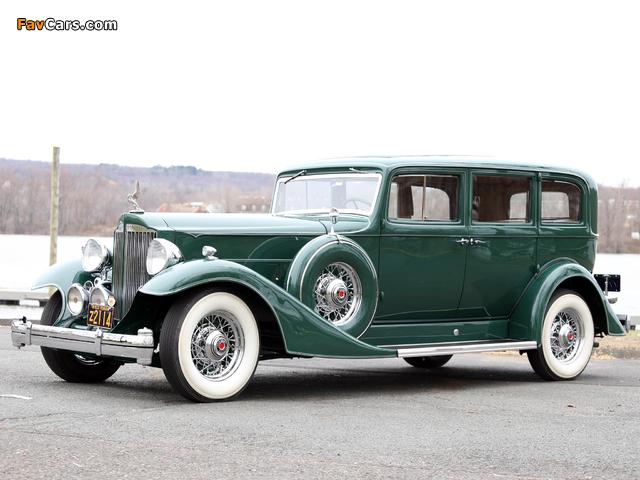Images of 1933 Packard Super Eight 7-passenger Sedan (1004-654) 1933 (640 x 480)