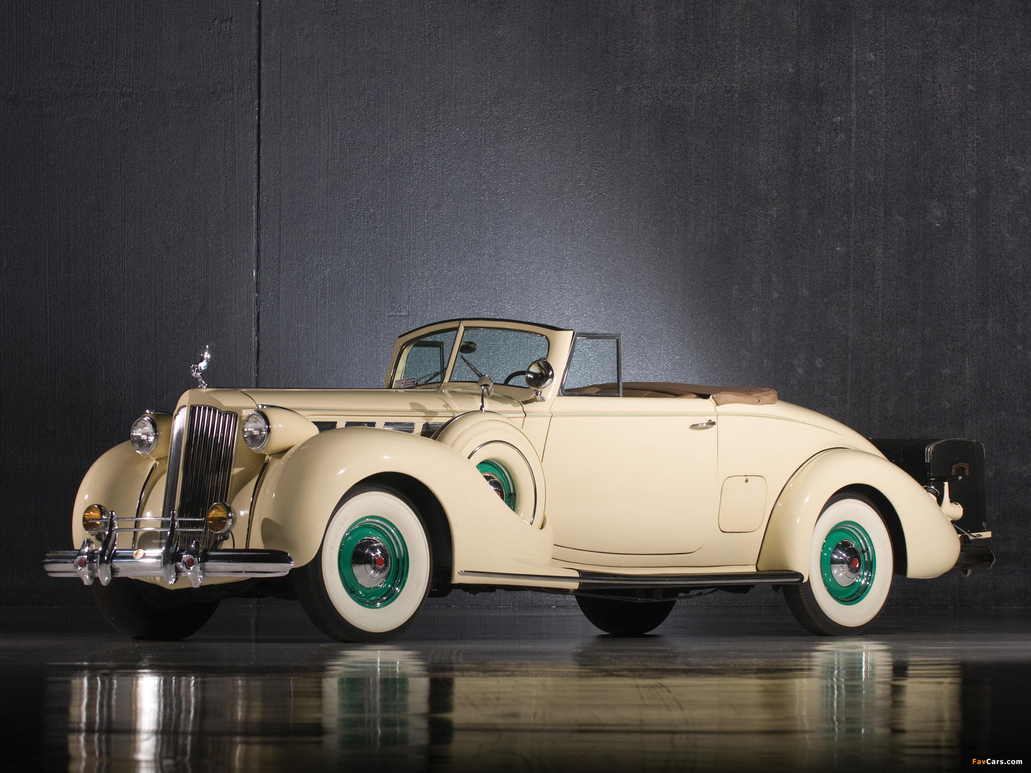 Packard Super Eight Convertible Coupe (1604-1119) 1938 pictures (2048 x 1536)
