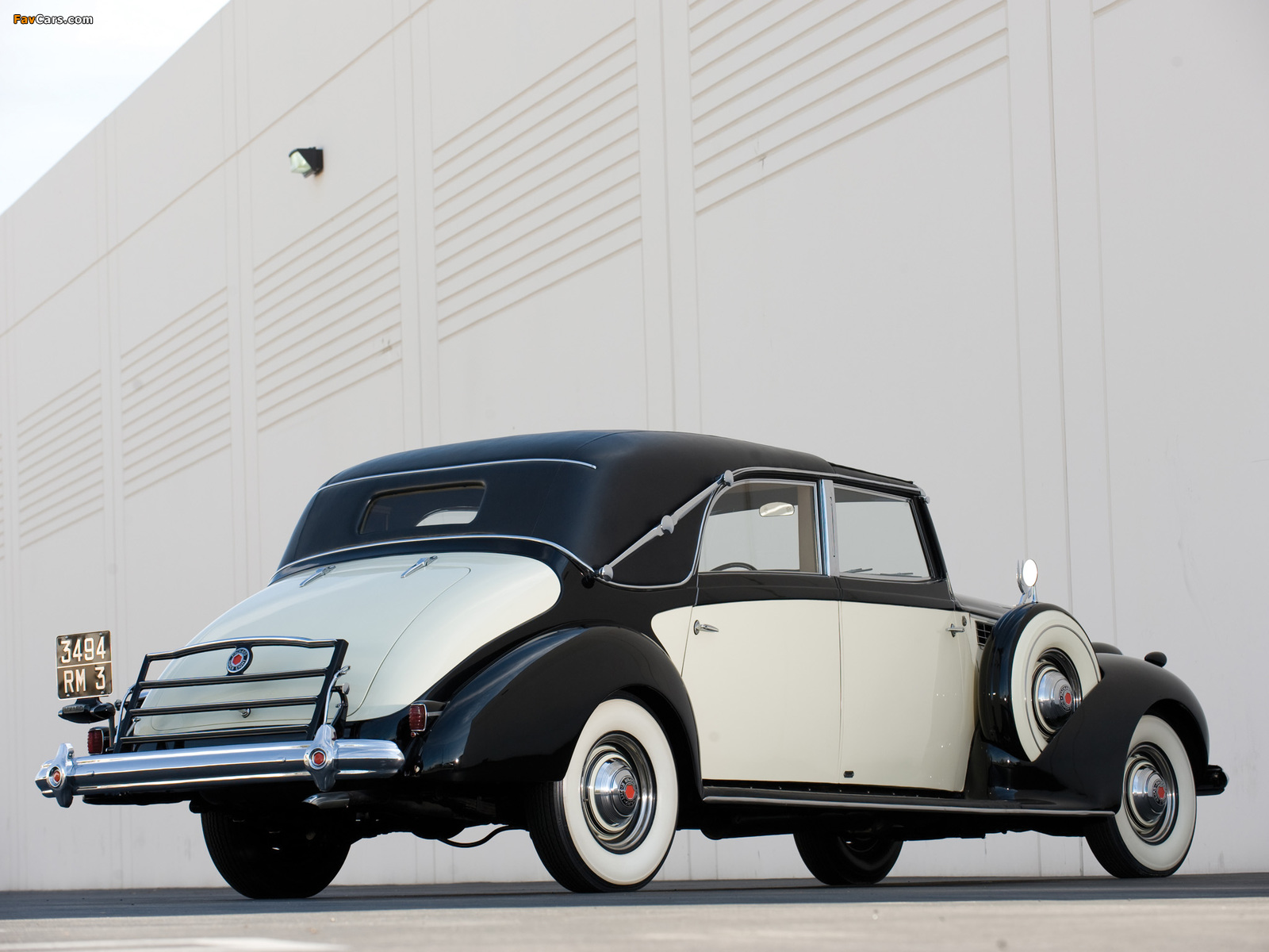 Packard Super Eight Transformable Town Car by Franay 1939 wallpapers (1600 x 1200)
