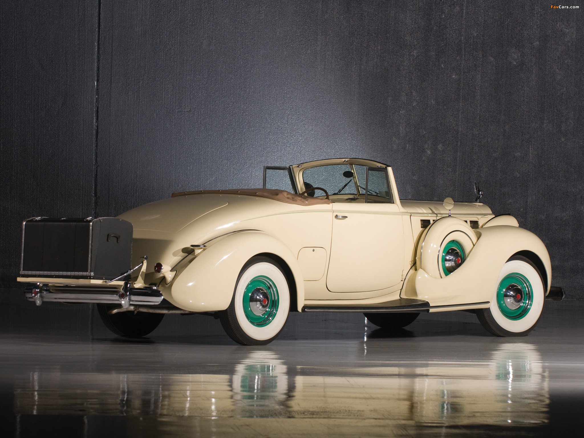 Pictures of Packard Super Eight Convertible Coupe (1604-1119) 1938 (2048 x 1536)