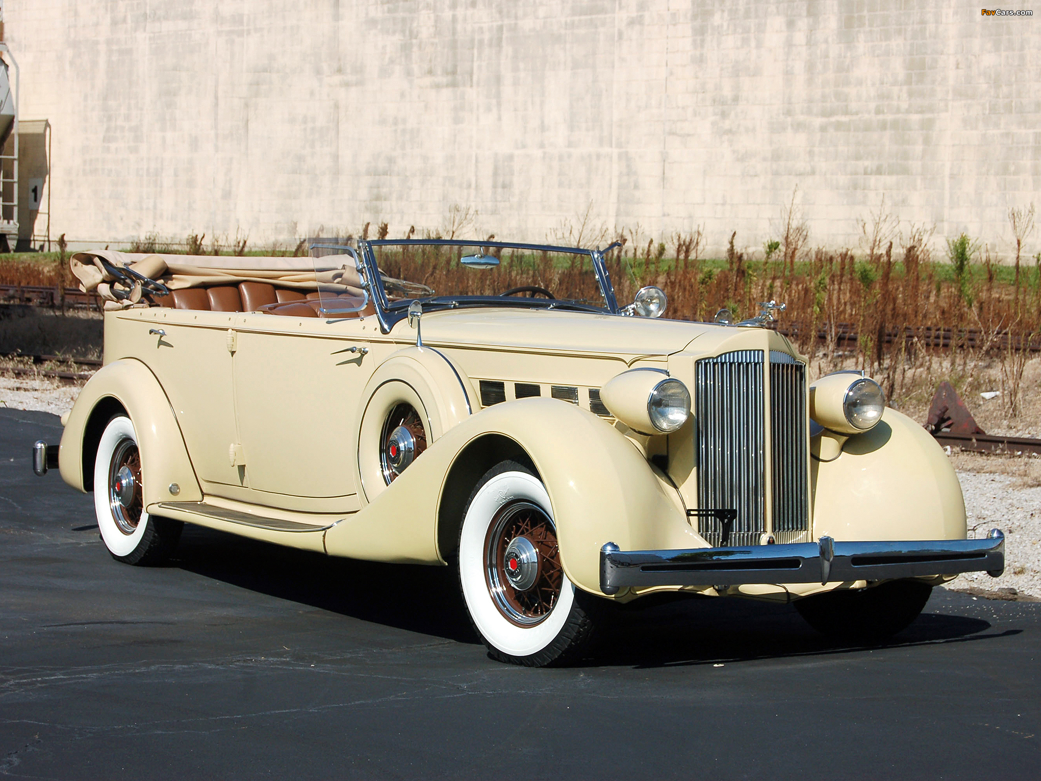 Pictures of Packard Super Eight 5-passenger Phaeton 1935 (2048 x 1536)