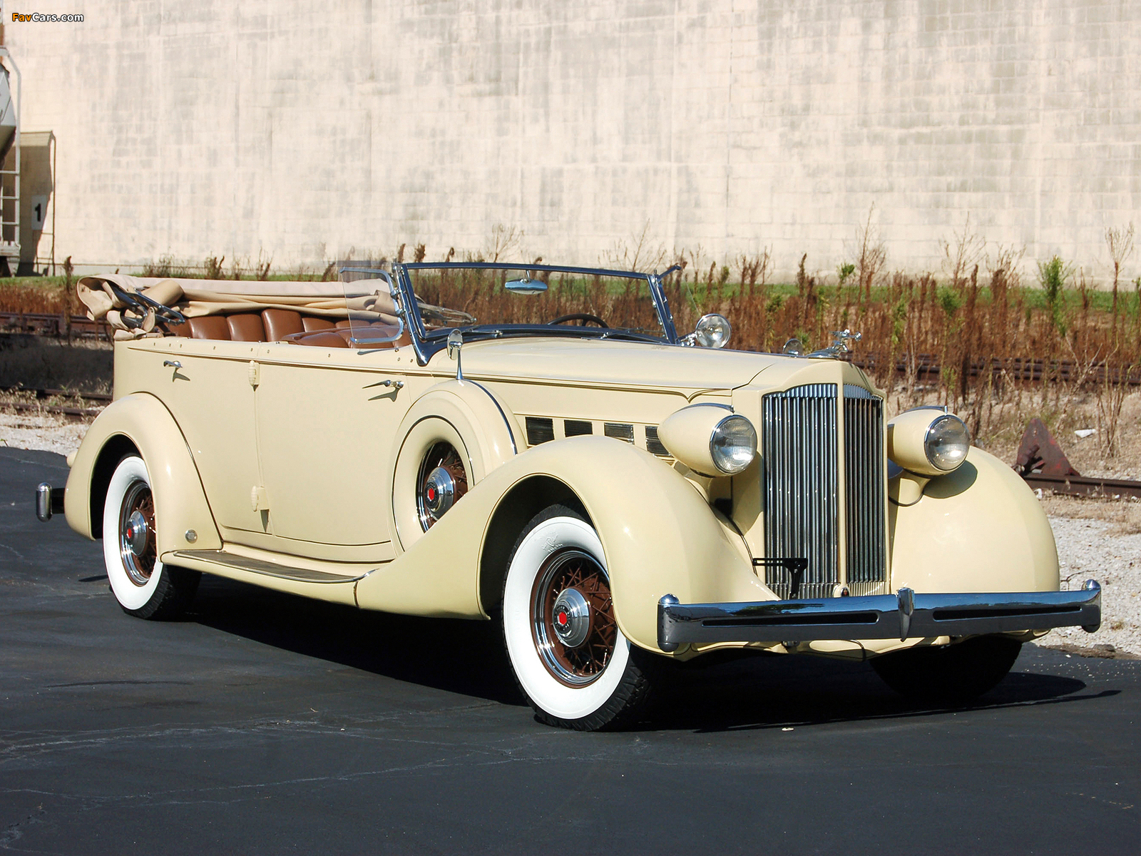 Pictures of Packard Super Eight 5-passenger Phaeton 1935 (1600 x 1200)