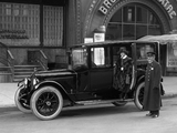 1918–19 Packard Twin Six Model 3-35 Brougham (185) images
