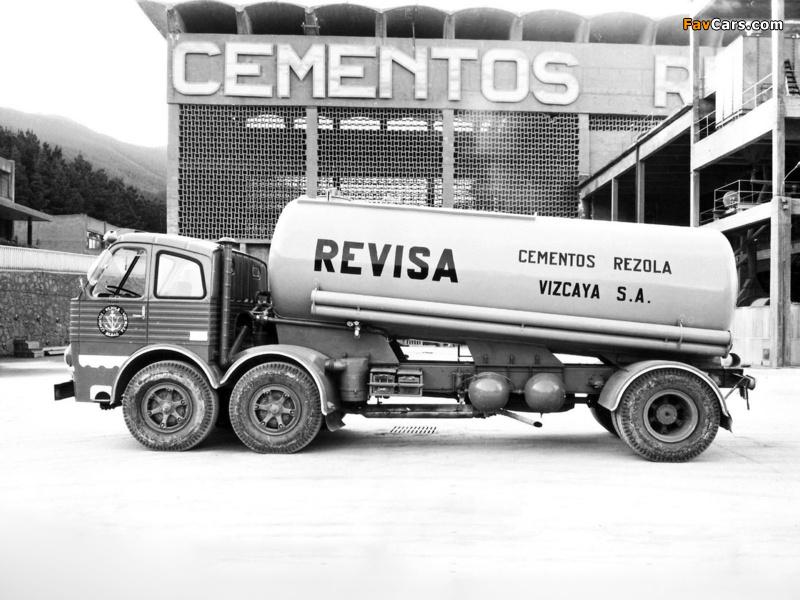 Pegaso 1063 6x2 Tanker 1962–69 wallpapers (800 x 600)