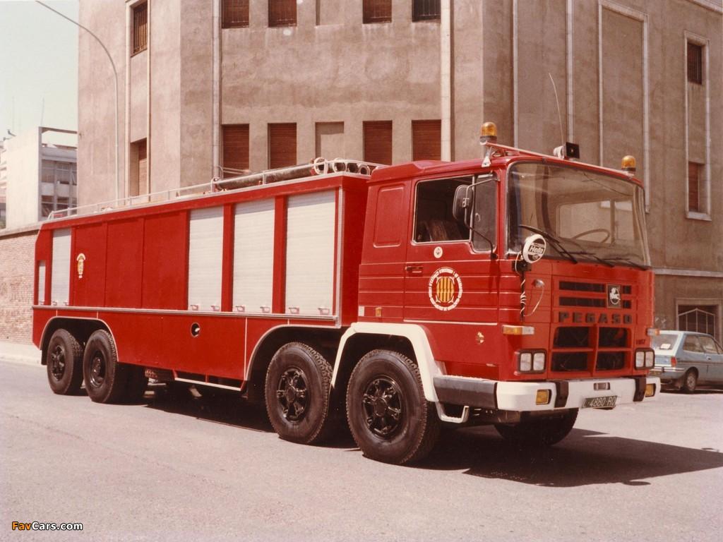 Photos of Pegaso Cuadradas 2089 8x4 Firetruck 1972–75 (1024 x 768)