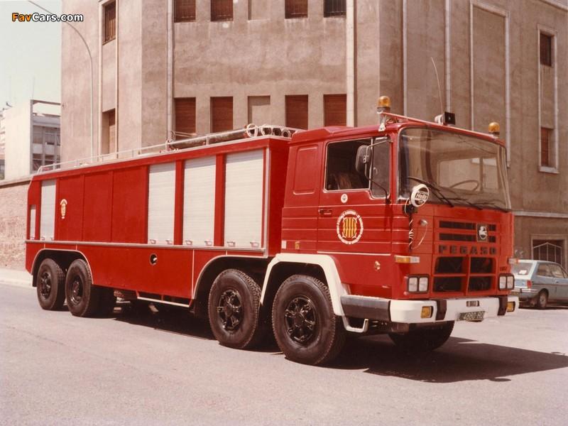 Photos of Pegaso Cuadradas 2089 8x4 Firetruck 1972–75 (800 x 600)