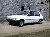 Peugeot 205 5-door 1983–98 pictures