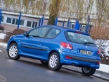 Peugeot 206+ Urban Style 3-door 2010–12 photos