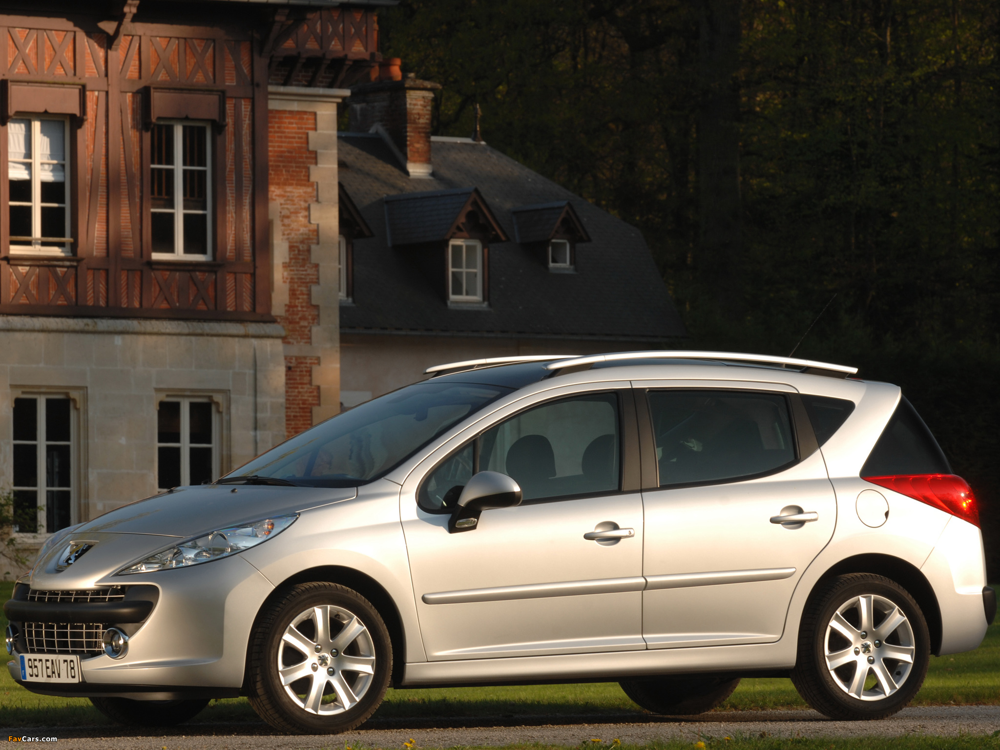 Peugeot 207 SW 2007–09 pictures (2048 x 1536)