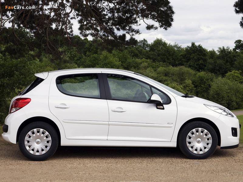 Peugeot 207 5-door 2009–12 images (800 x 600)