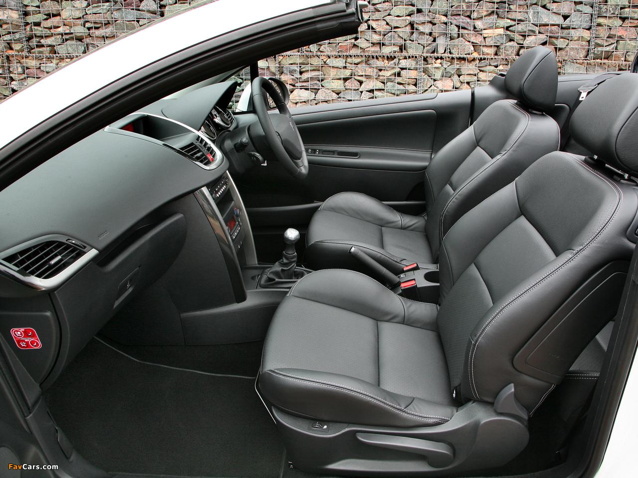 Photos of Peugeot 207 CC UK-spec 2009 (1280 x 960)