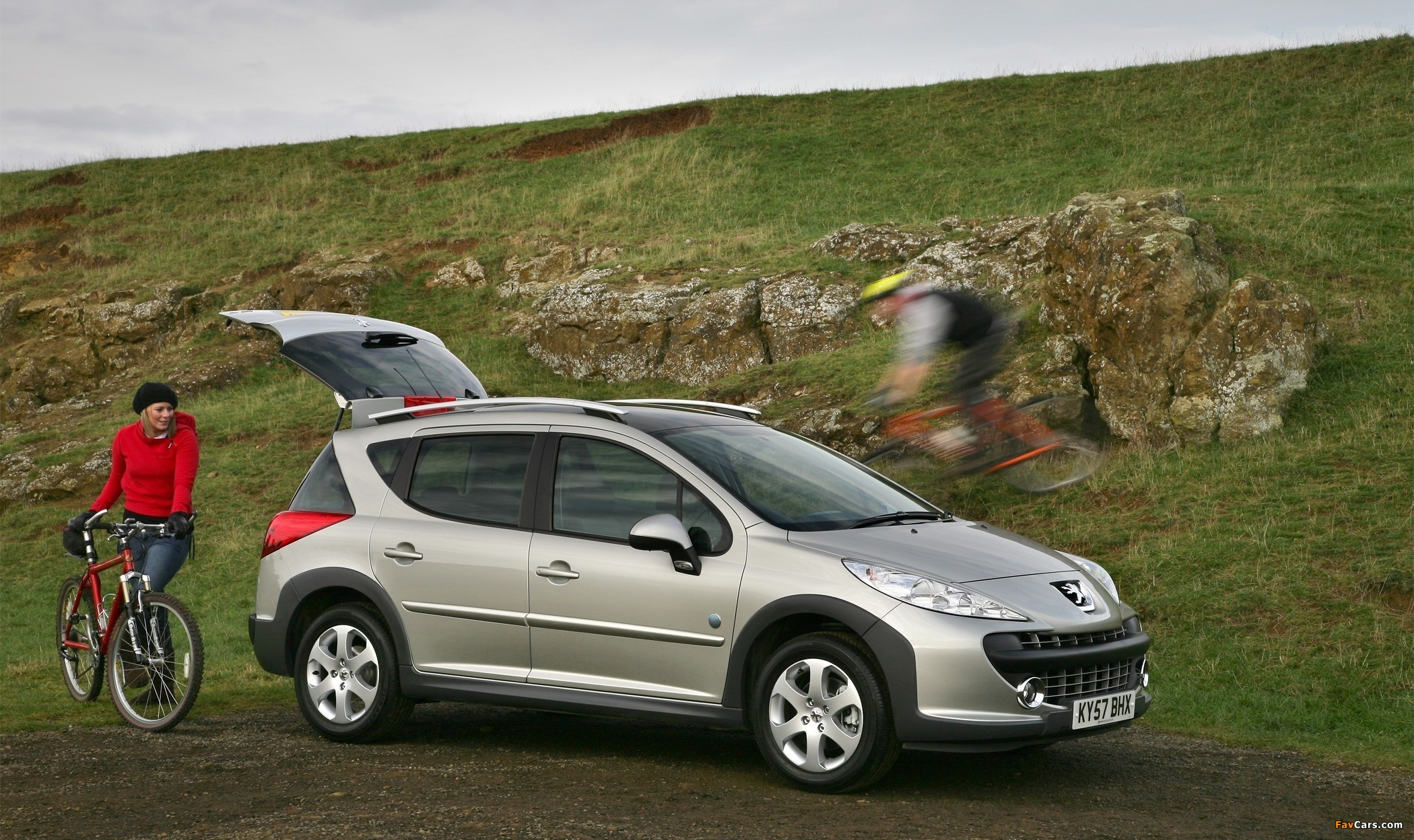 Pictures of Peugeot 207 SW Outdoor UK-spec 2007–09 (2100 x 1248)