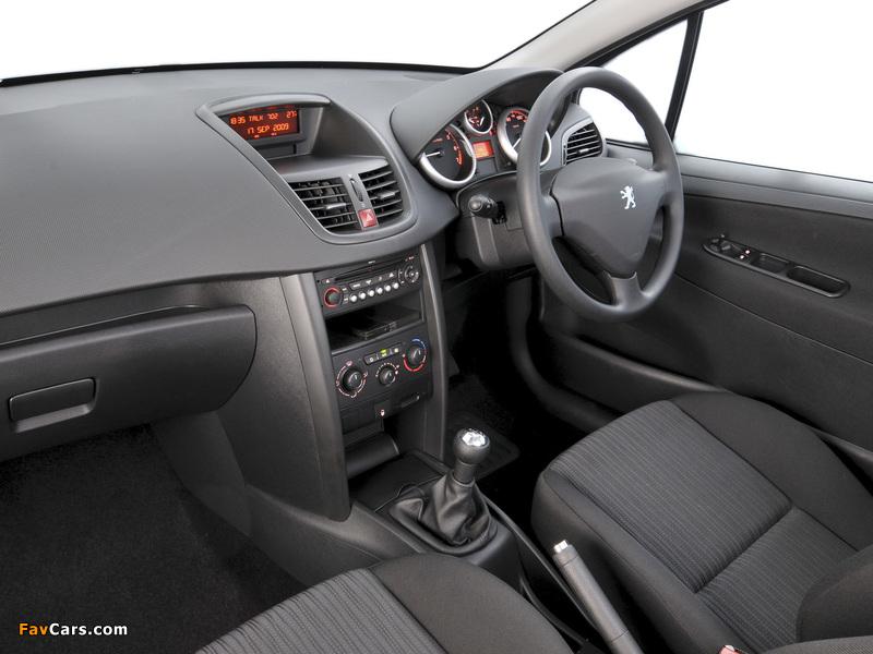 Pictures of Peugeot 207 3-door ZA-spec 2009–10 (800 x 600)