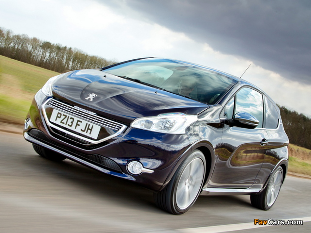 Peugeot 208 XY 3-door UK-spec 2013 wallpapers (640 x 480)