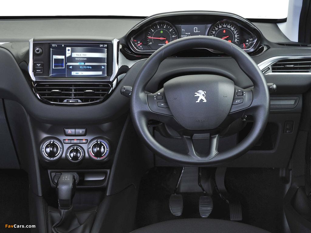 Photos of Peugeot 208 5-door ZA-spec 2012 (1024 x 768)