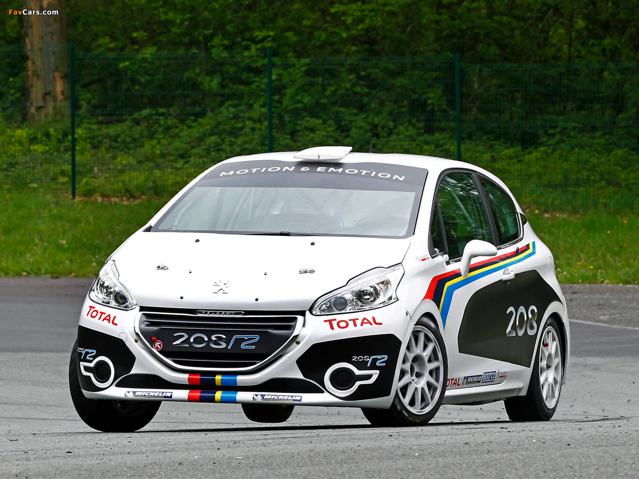 Peugeot 208 R2 2012 wallpapers (1280 x 960)