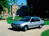 Peugeot 309 5-door 1989–93 photos