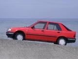 Peugeot 309 5-door 1989–93 pictures
