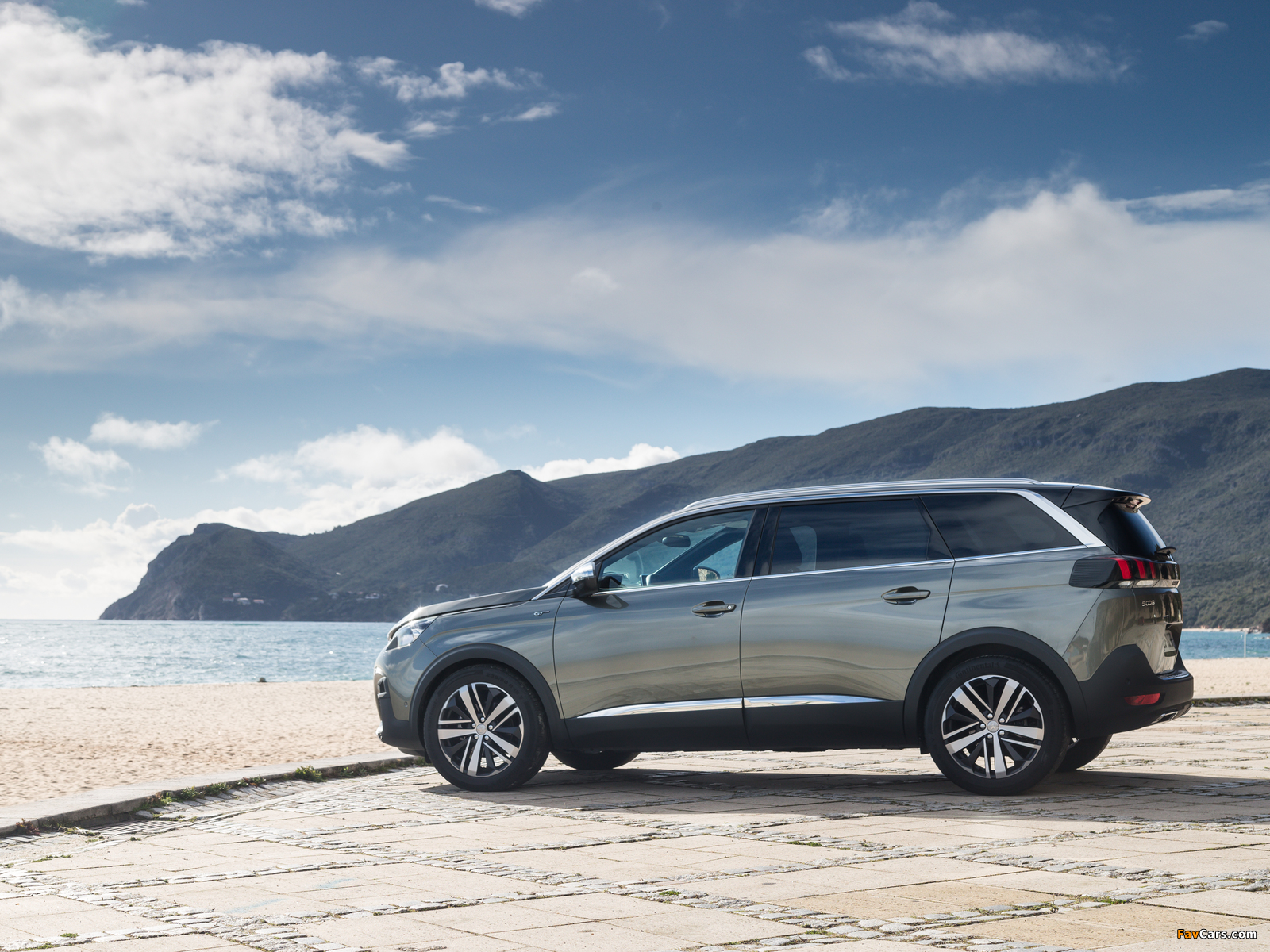 Pictures of Peugeot 5008 GT 2017 (1600 x 1200)