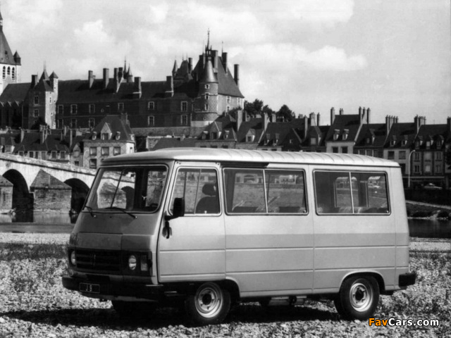 Photos of Peugeot J9 1980–87 (640 x 480)