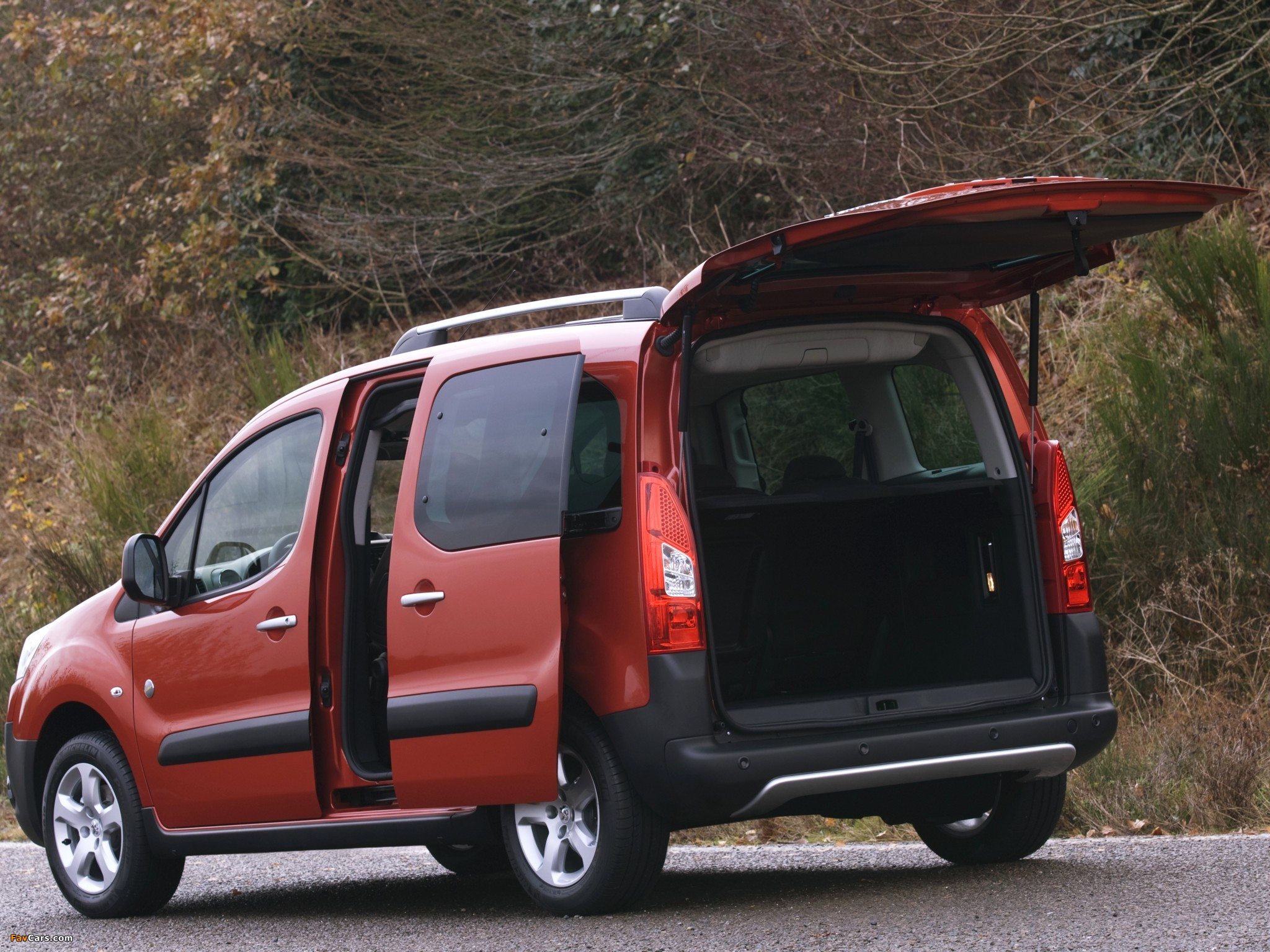 Peugeot Partner Tepee Outdoor Pack 2010 pictures (2048 x 1536)