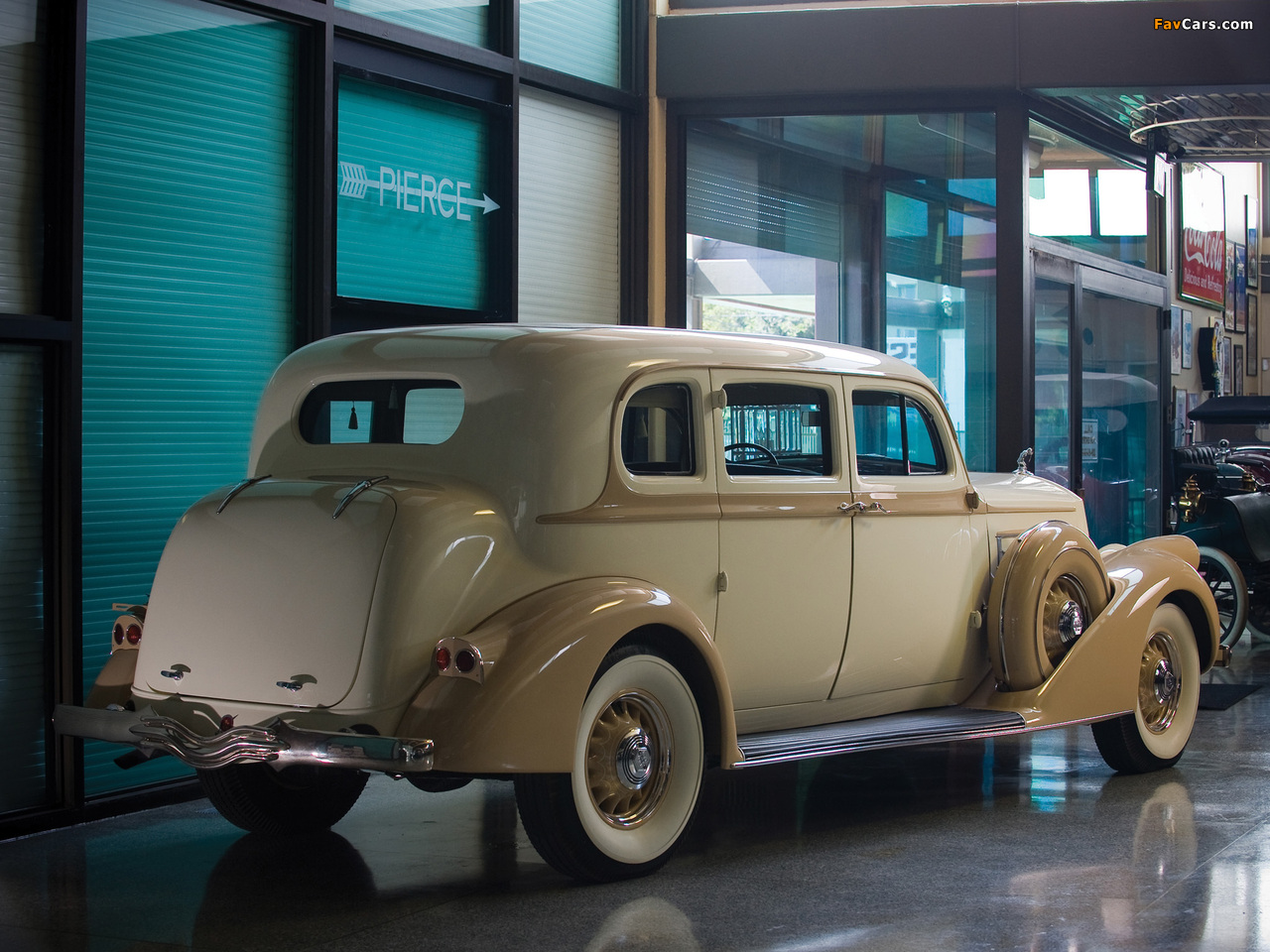 Pierce-Arrow Deluxe 8 Touring Sedan 1936 photos (1280 x 960)